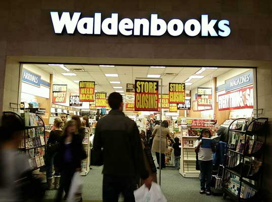 borders dumps books, waste, eco rant, sustainable design, green design, merchandise trashing, borders book store, commercial waste