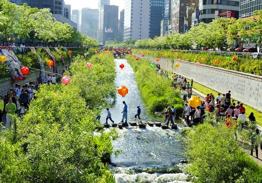 Cheonggyecheon Stream, Seoul, Korea, urban renewal project, urban renewal, urban design, urban park, restoration, rehabilitation, stream