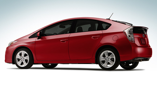 sustainable design, green design, 2010 prius, toyota recall, green transportation, energy efficient vehicles, green car