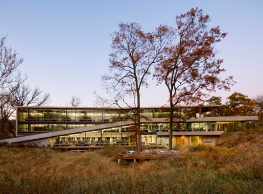 wildlife conservation society, center for global conservation, wildlife, LEED, LEED Gold, wind energy, zero carbon, daylighting, green roof, FXFOWLE, nyc, green design, eco design, sustainable building