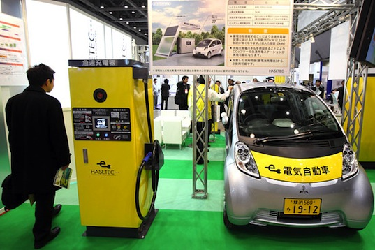 chademo, ev, phev, mitsubishi, toyota, nissan, electric vehicles, transportation, eco design