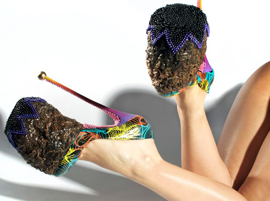 Elephant Dung Heels by Chris Ofili, elephant dung, elephant dung shoes, bizarre shoes, bizarre fashion, eco-friendly shoes, eco-fashion, sustainable fashion, green fashion, sustainable style, INSA, Chris Ofili, Tate Britain
