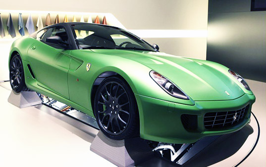 sustainable design, green design, ferrari 599 HY-KERS hybrid, green transportation, green car, fuel efficient vehicle, hybrid electric vehicle
