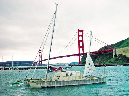 sustainable design, green design, plastiki, green transportation, adventure ecology, David de Rothschild, plastic bottle boat, recycled materials, pacific garbage patch