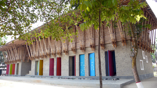 ann aeringer,  earth architecture,  eco kids,  eco-friendly school,  erik roswag,  green design,  green kids,  green school,  hand-built school,  hand-made school,  meti,  meti school,  meti school in bangledesh