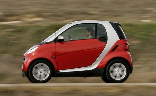 Smart Car, Daimler Chrysler, Energy Efficient Vehicle, Sustainable Vehicle, Energy Efficient Car, Tiny Vehicles, Small Vehicles, Subcompact vehicle, subcompact car, european smart car, transportation tuesday, fuel efficient, car, damlier, subcompact, tiny