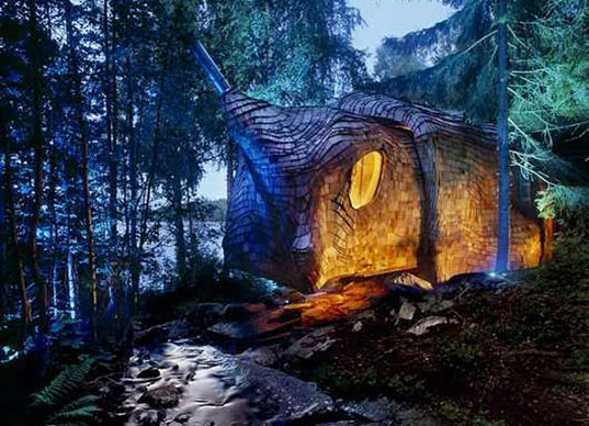 accordion house, dragspelhuset, 24h architecture, sustainable design, green building, off-grid cabin, solar power, expandable house, amorphous architecture