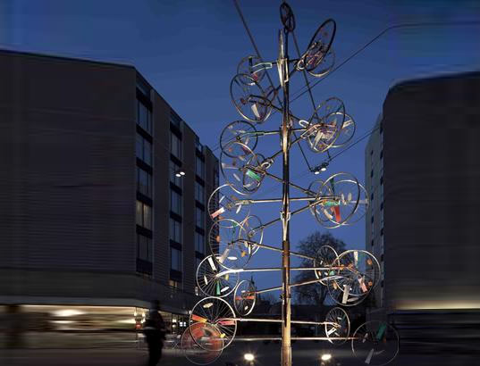 Workers On Wheels >> Recycled Christmas Tree Made of Bike Wheels! | Inhabitat ...