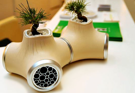 bonsai speakers, bonsai growing speakers, eco-plastic speakers, jvc speaker concept, bonsai concept speaker, kirikabu speakers, tokyo designer's week