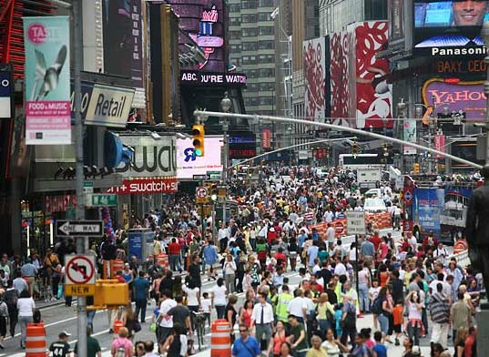 broadway, new york city, mayor bloomberg, broadway closes, traffic reduction, midtown, vehicles, emissions reduction