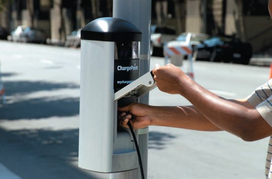 chargepoint, electric fuel station, fuel station of the future, coulomb technologies, charging your car with electricity, plug-in infrastructure