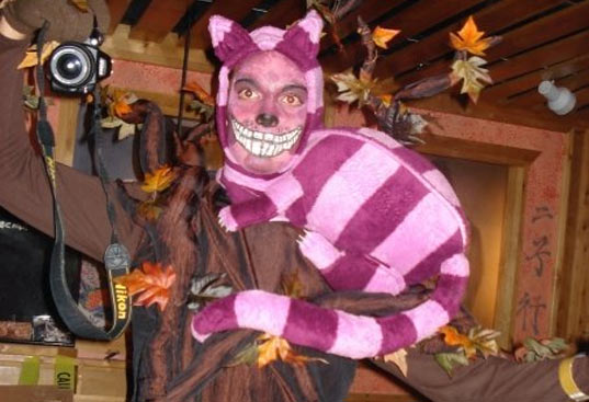 http://www.inhabitat.com/wp-content/uploads/cheshire-cat-costume.jpg