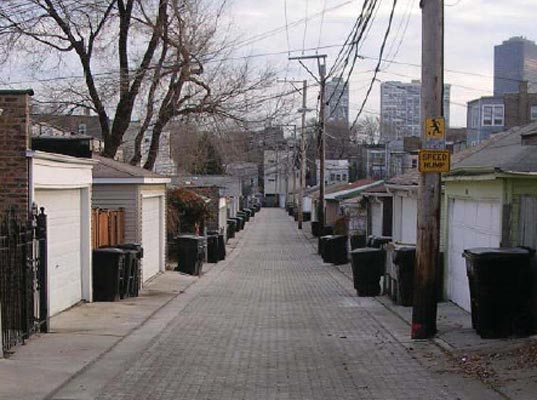 A typical Chicago alley.