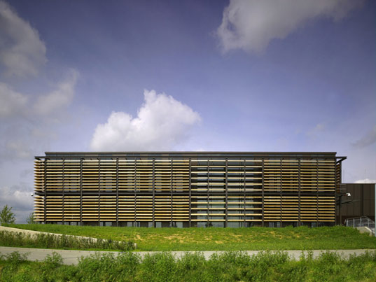 sustainable design, green design, arup associates, leed platinum, germany, data center