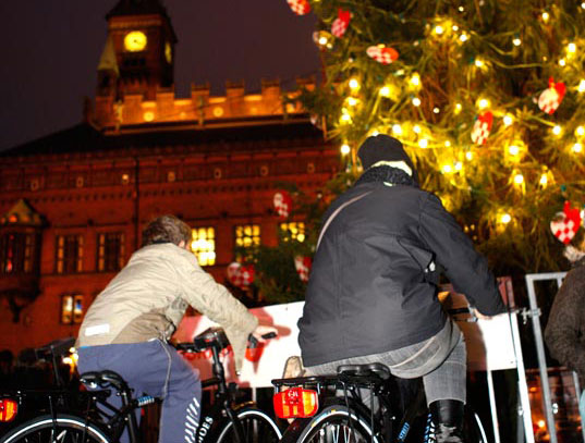 pedal powered christmas tree, sustainable design, green design, copenhagen climate conference, cop15, denmark, eco art, environmental art
