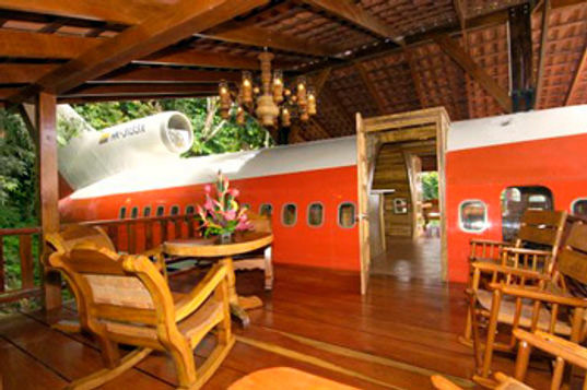 727 hotel, sustainable architecture, green building, green design, recycled material, reclaimed airplane hotel, costa verde resort, costa rica airplane hotel