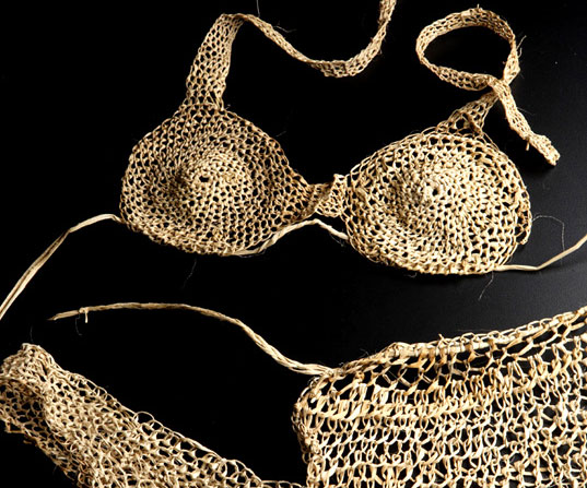 Creollus, Brazilian Design Creollus, Brazilian eco fashion accessories, Creollus Candice Collection, banana fiber bikini Creollus, banana fiber accessories Creollus, banana fiber sustainable style, Brazilian green fashion, Brazilian eco chic