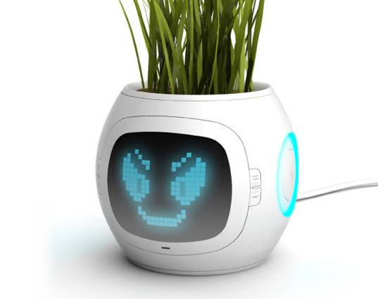 digital plant pot, concept plant pot, electric plant pot, usb plant pot, indoor planter, plant expressions, plant feelings, plant status, indoor plant health, industrial design, Junyi Heo