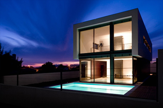 dt house, jorge graca costa arquitecto, sustainable building, sustainable design, green building, passive heating and cooling house, bioclimatic, energy efficient architecture