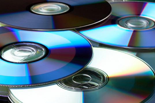 dvd, dvds from carbon dioxide, dvds from CO2, DVDs as carbon sinks, carbon sinks, greenhouse gases, green gadgets, green dvds, dvds.jpg