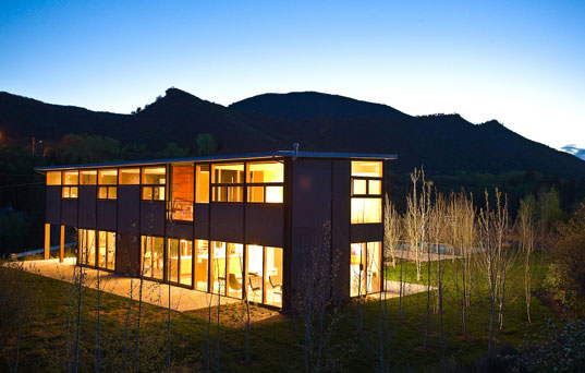 Charles Lazor Flatpak House, Goodwin Wise Flatpak House, Flatpak House, prefab Flatpak House, prefab structures, prefab homes, prefab designs, prefabricated homes, prefabricated buildings, prefabricated structures, prefab friday, Flatpak prefab house, Flatpak House in Aspen, Flatpak House in Colorado, prefab homes in Aspen, prefab homes in Colorado, flatpak3.jpg