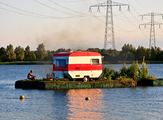 camping, popup city, floating camping, mysterious campground, floating campground, guerilla camping, sausalito almere, amsterdam