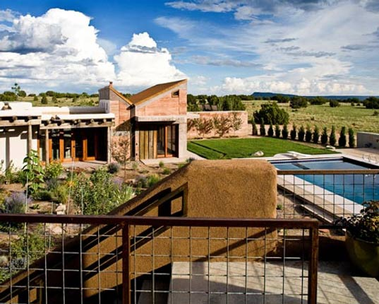 signer harris architects, santa fe off-the-grid residence, sustainable architecture, green building, energy efficient home, desert architecture, galiesto basin preserve, rainwater recycling