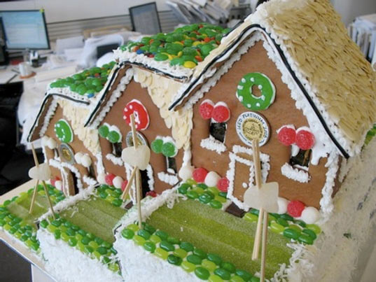 holiday gingerbread house, gingerbread house poll, modern gingerbread house, holiday cooking, green gingerbread house, sustainable gingerbread house, eco-friendly building, green holiday fun, hok