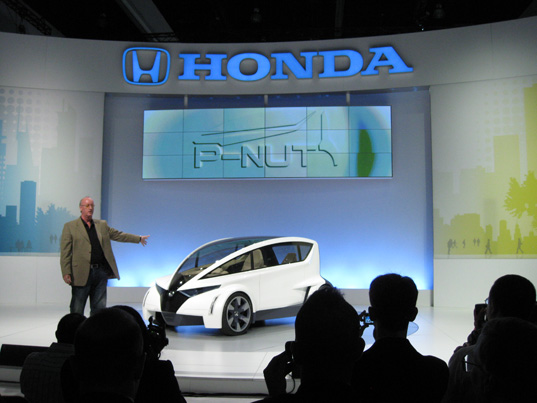 Honda P-Nut, Honda Personal-Neo Urban Transport, Sustainable Cars, Green Cars, Sustainable Automobiles, Concept Cars, LA Auto Show