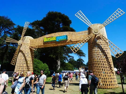 sustainable design, green design, event, music festival, outside lands, pg&e, solar powered stage, organic food, art