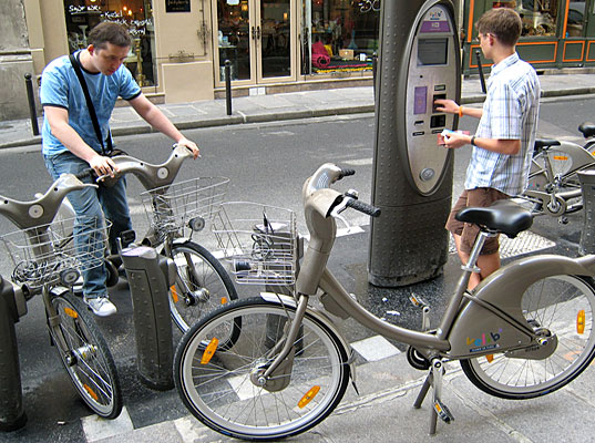 Bikes Paris Urban Bike Sharing System