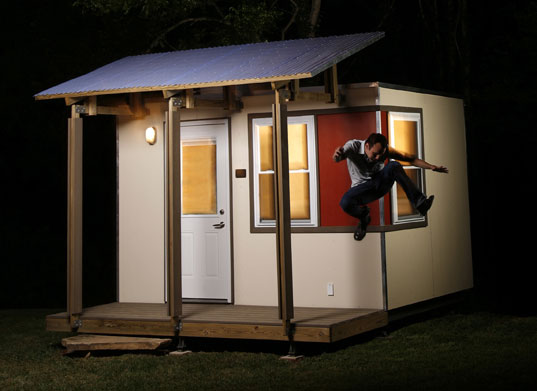 MicroHOME, HELP, Housing Every Last Person, Emergency housing, Hurricane Katrina housing, New Orleans prefab, prefab housing, prefab architecture