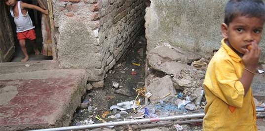 mumbai, mumbai slums, mumbai community, lifestraws for mumbai