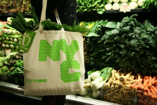 new york bans plastic bags, nyc green, michael bloomberg bans plastic, NYT on plastic bags, plastic bag ban, New York City bans plastic bags, United States plastic bag ban, NY plastic bag ban