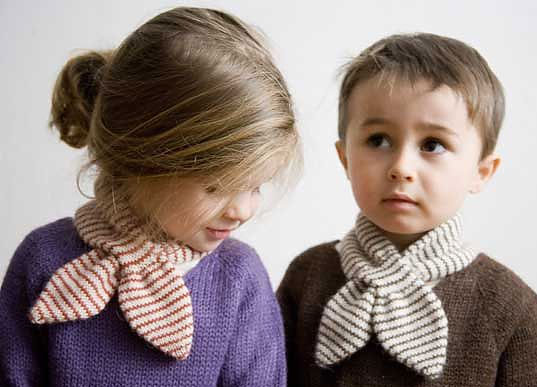 Oeuf Neckie, Oeuf Baby scarg, Ouef necktie, Hug-me sweater, Mitten sweater, green kids clothes, eco-friendly kids clothes