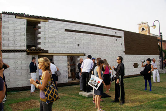 Paper-Brick House, Li Xianggang Studio, Venice Biennale 2008, Chinese Pavilion, sustainable building, Sichuan earthquake, Chinese earthquake