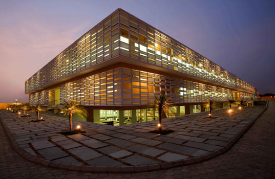 pearl-academy-fashion-11, Pearl Academy of Fashion, Morphogenesis, Indian Architecture, passive cooling method, sustainable architecture, natural ventilation system, jaali
