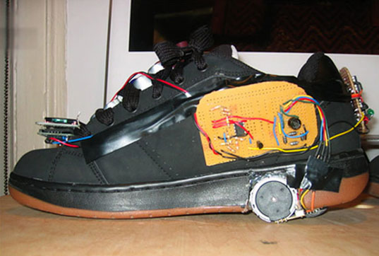 roller skate power, rollerskates energy, energy harvesting shoes, heely shoes, kinetic energy, derive