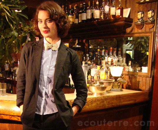 supermodel shalom harlow in john patrick organic cotton twill suit and stripey bowtie - tres chic!, john patrick organic, ss 2010, spring summer 2010, green fashion, eco fashion, organic fashion, organic clothing, shalom harlow, keens steakhouse, sustainable fashion, ecouterre, classic americana