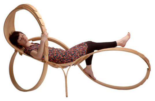 Sixixis bent wood furniture london design week preview for Chaise longue bois design