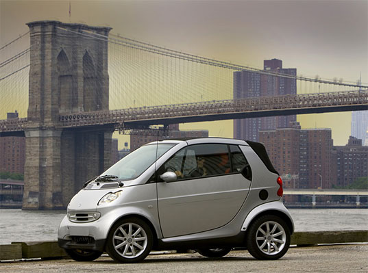 Smart Car, Daimler Chrysler, Energy Efficient Vehicle, Sustainable Vehicle, Energy Efficient Car, Tiny Vehicles, Small Vehicles, Subcompact vehicle, subcompact car, european smart car, transportation tuesday, fuel efficient, car, daimler, subcompact