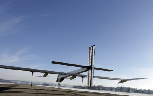 sustainable design, green design, green transportation, solar impulse, plane, solar power, solar flight