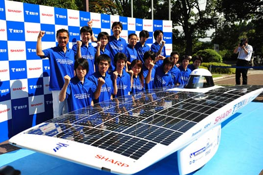sustainable design, green design, world solar challenge, tokai challenger, solar race car, green transportation, renewable energy