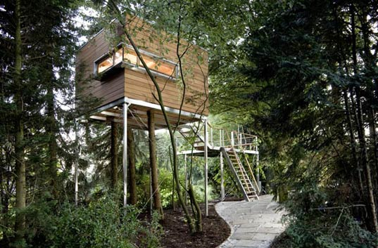 baumraum stunning treehouse designs from germany inhabitat green design innovation. Black Bedroom Furniture Sets. Home Design Ideas