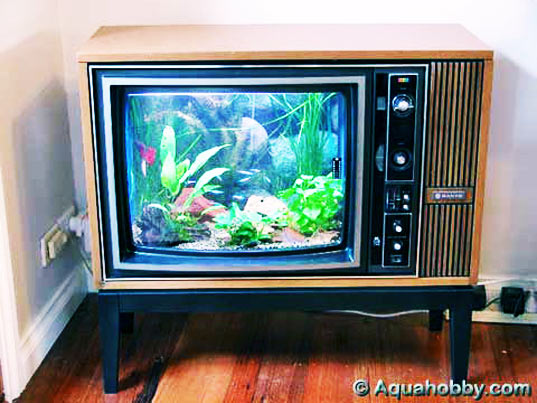 analog tv is dead,  digital switchover,  television,  what to do with your analog tv, sustainable design, green design, recycled materials, tv recycling, found design