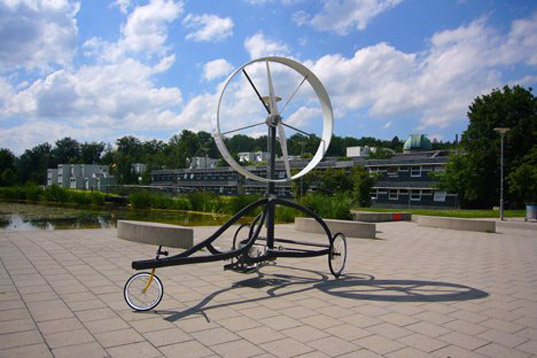 ventomobile, wind-powered racecar, wind turbine, vehicle, alternative energy, inventus, stuttgart university, aeolus race