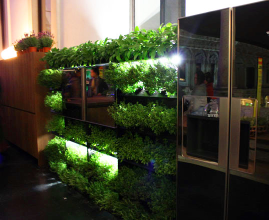 sustainable design, green design, kitchen design, sustainable materials, eco kitchen, whirlpool green kitchen, elmar sustainable kitchen, ludovica roberto palombra