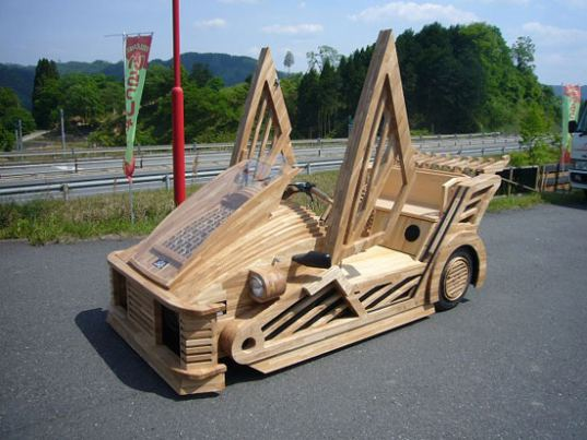 sustainable design, green design, green transportation, maniwa, wooden car, wood car, wooden vehicle